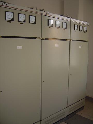 额定工作电压380v,额定工作电流3150a的配电系统作为动力,照明及配电