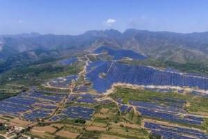 世界上最大的光伏电站 一年发电量达五千多万度 靠阳光赚钱