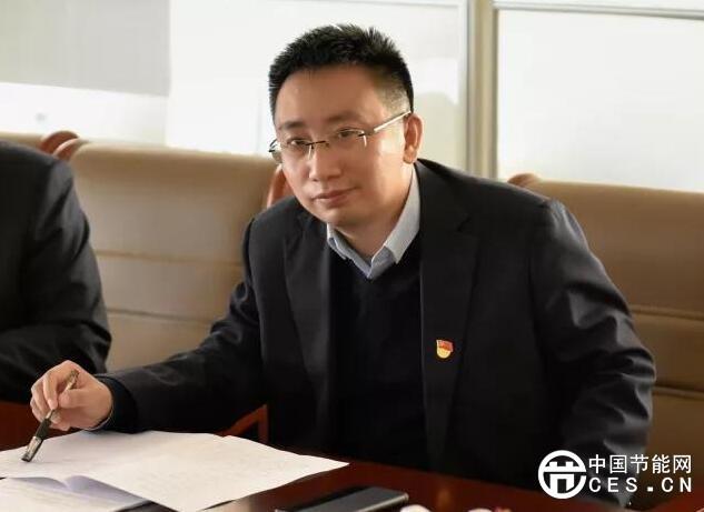 一串旅行     2017年春节期间,当其他同事在阖家团圆时,刘瓃已