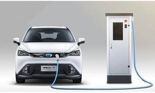 业界:新能源汽车即将迎来从亏损到盈利的拐点