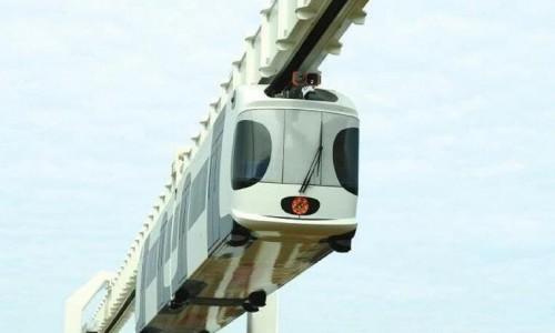 """中国首辆""""空中列车""""通车了,时速高达80千米"""