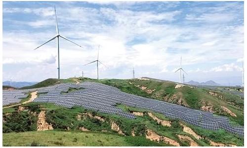 """国家电力投资集团充分利用风能和太阳能优势 """"风光互补""""发电风光无限"""