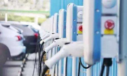 11月全国新增公共类充电桩同比增速40.4%