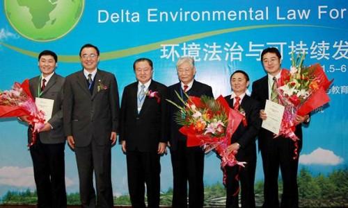 郑崇华:节能环保领域的发展需要加强宣传和教育