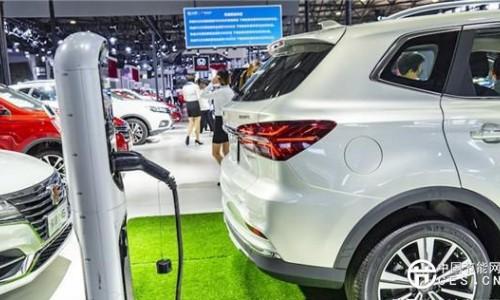 """从日内瓦车展""""触电""""看新能源汽车的中国机会"""