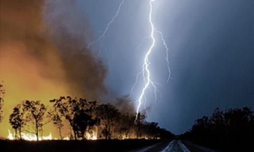 夏日光伏电站任何应对雷暴大风和冰雹等极端天气