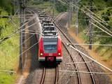 新型储能式铁路功率调节器的协调控制方案