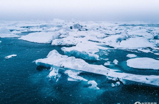"研究发现:15年内北极将迎来""无冰""夏季 Arctic may see 'ice-free' summers in as few as 15 years, study says"