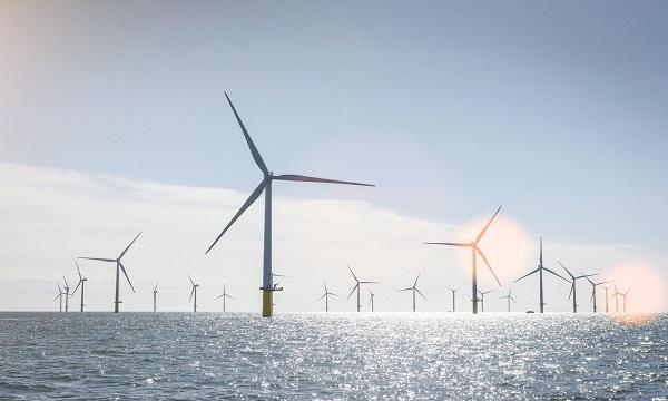 大规模海上风电并网送出策略研究